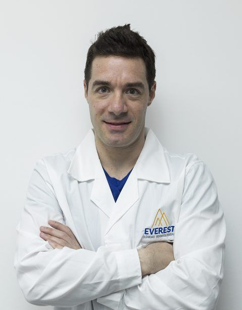 DR.CLAUDIO BORTNIK KONSENS ESPECIALIDAD PERIODONCIA