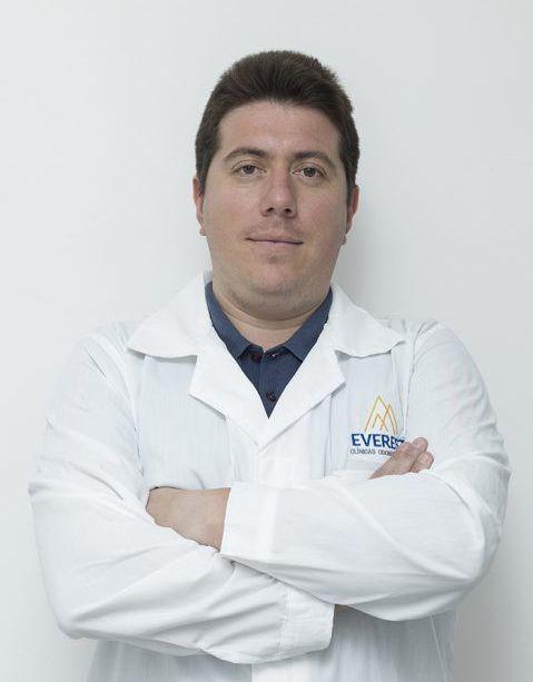 DR.RAFAEL IGNACIO LARRAIN GALVEZ ESPECIALIDAD ORTODONCIA