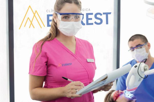 influencia-de-la-mujer-en-odontologia
