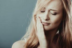 ¿Duelen los dientes por el uso de los brackets?