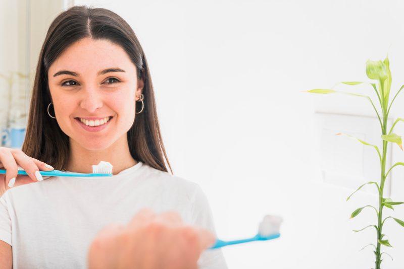 Fortalece el esmalte de tus dientes con flúor